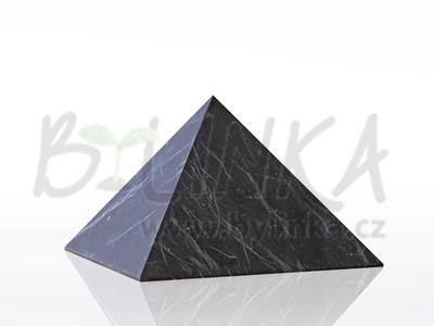 Šungitová pyramida hlazená 7×7 cm