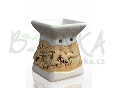 Aromalampa – Basreliéf Draci, bílá