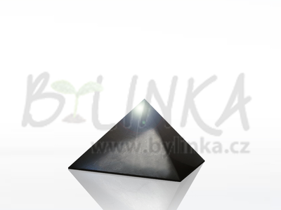 Šungitová pyramida leštěná 3×3 cm